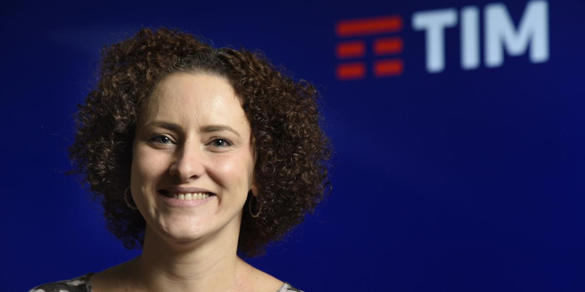 TIM incentiva presença feminina em áreas tecnológicas