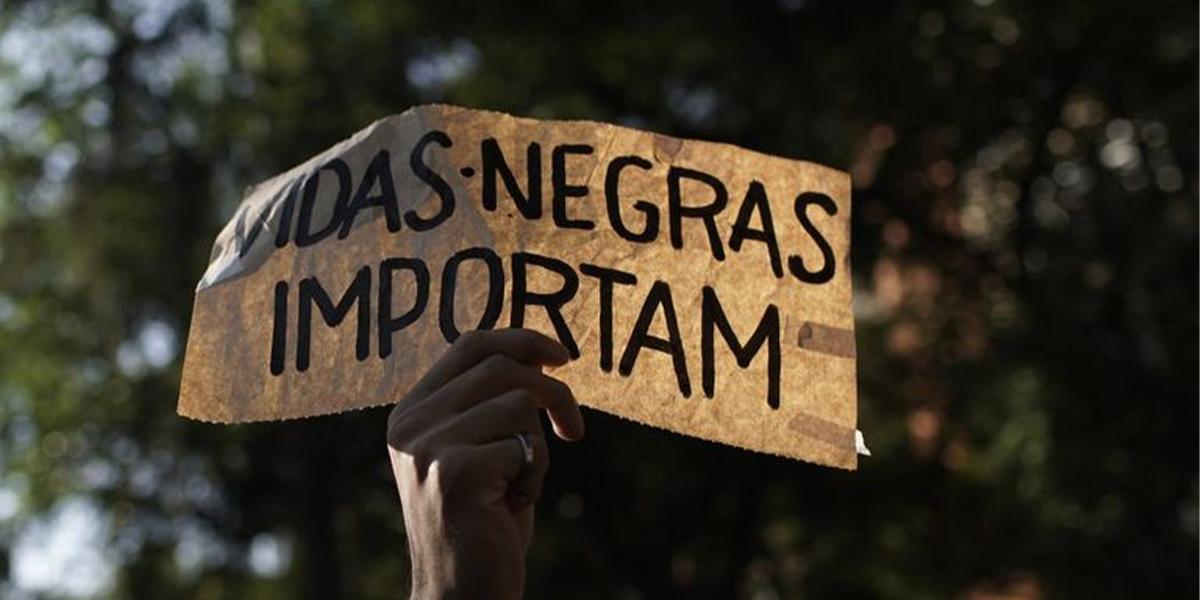 93% dos negros esperam que marcas se posicionem sobre racismo, diz pesquisa do Estúdio Nina