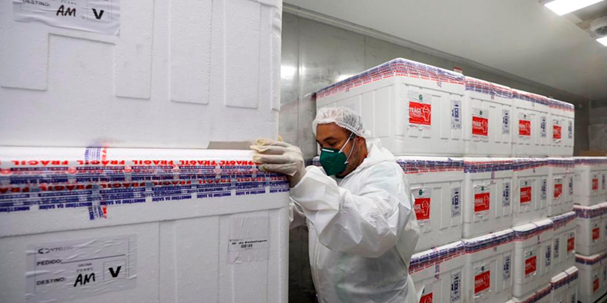 Investigação de irregularidade em Manaus durante a vacinação contra COVID-19