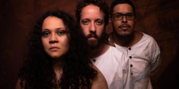 """Projeto musical paraense """"Manto"""" navega pela musicalidade amazônica contemporânea em seu disco de estreia"""