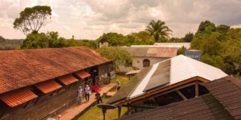 Comunidade ribeirinha da Amazônia recebe sistema de energia solar