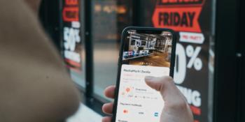 Compras realizadas pelo celular aumentaram 30% em 2021, aponta relatório